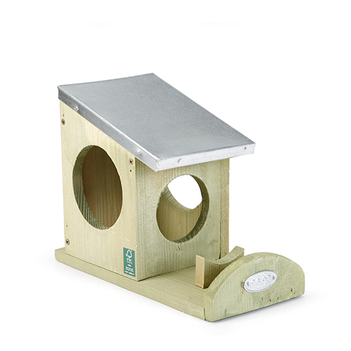 Beeztees Wooden Feeder for Squirrels